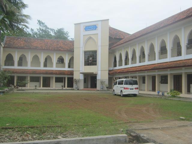 Pesantren Al-Hadi di Pemalang
