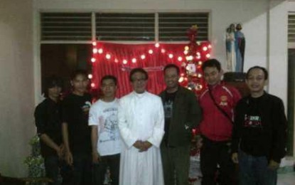 Ucapkan Natal, eLSA Sambangi Gereja Gang Pinggir