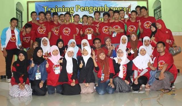 Peserta Training Pengembangan Pendidikan Agama Islam Berbasis Kearifan Lokal untuk Siswa SMA/SMK