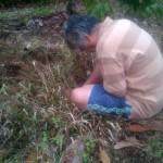 Engkus Ruswana, berdoa sebelum menanam pohon