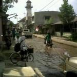 Menara, Masjid Menara yang terletak di Jalan Layur tampak menjulang tinggi. Masjid ini dibangun oleh keturunan Arab yang singgah di Kota Semarang ratusan tahun silam