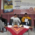 DISKUSI: Ketua PW RMI NU Jateng, Abdul Ghaffar Razin (Gus Razin) menyampaikan paparan tentang peran ulama dalam memperjuangkan kemerdekaan. Foto: Ceprudin