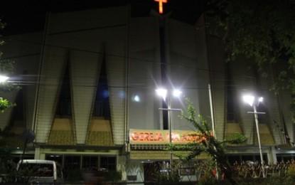"""Semarang, """"Ibu Kota"""" Gereja Isa Almasih (2)"""