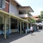 KOMPLEKS GEREJA: Seseorang tampak berjalan di dalam Kompleks Gereja Gedangan Jalan Ronggowarsito, Semarang.