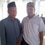 KH. A'wani (kiri) dan KH. Zamzam Zamroni
