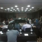 Menteri Agama (putih) sedang berdialog dengan Sobat KBB