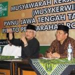 KH. Musthofa Bisri dalam sebuah acara PWNU Jawa Tengah