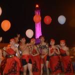 Peserta melepas balon simbol perdamaian. Foto: Munif