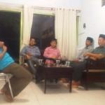 Asep Jamaludin (baju merah), bersama pengurus Jemaat Ahmadiyyah Semarang berkunjung ke kantor eLSA