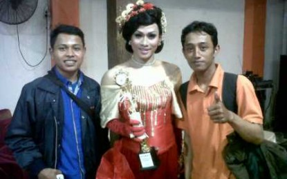 Jessika Liaurora Miss Waria Semarang