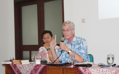 Peter Carey: Perlu Sejarah yang Sehat tentang Diponegoro
