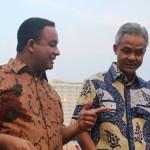 Anies Baswedan (kiri) bersama Gubernur Jawa Tengah, Ganjar Pranowo. [Foto: Munif]