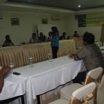 Suasana Focus Group Discussion (FGD) Peserta hidmat menyimak penyampaian materi mengenai penggalian potensi ekonomi. Foto: Ceprudin