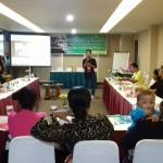 """Training manajemen keuangan dengan tema """"Sedulur Sikep Belajar Keuangan"""" di Hotel Griptha Kudus, Minggu (17/1/16). [Foto: KA]"""