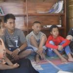[Dari kiri] Anikk, Andi, Widodo, Uut dan Iseh yang merupakan generasi muda warga Sedulur Sikep Kudus, Foto: Abdus Salam.