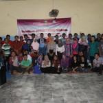 Peserta foto bersama usai melakukan acara pelatihan Jurnalistik. Foto: Mustakim