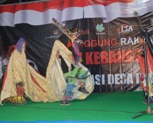 "Ratusan Masyarakat Karangrowo ""Melebur"" dalam Kebersamaan"