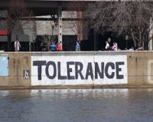 Dua Model Toleransi